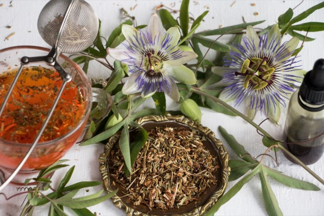passionflower tea and flowers