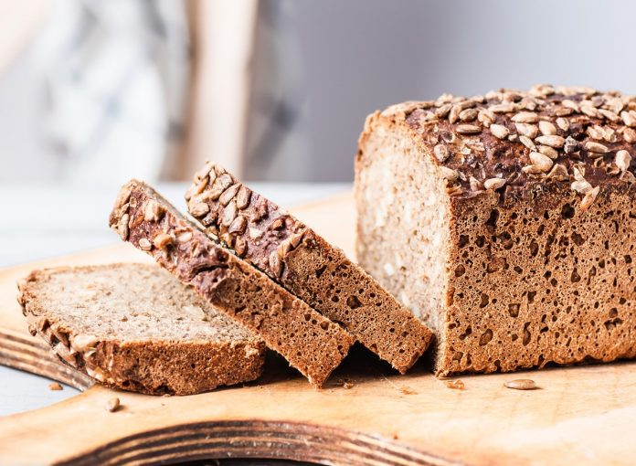 One Major Side Effect of Eating Bread, Say Dietitians