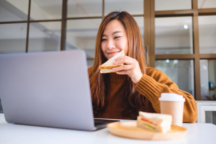Signs You Should Stop Eating Bread Immediately