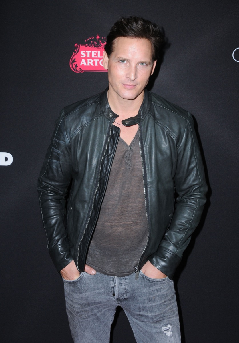 peter facinelli in black leather jacket on red carpet