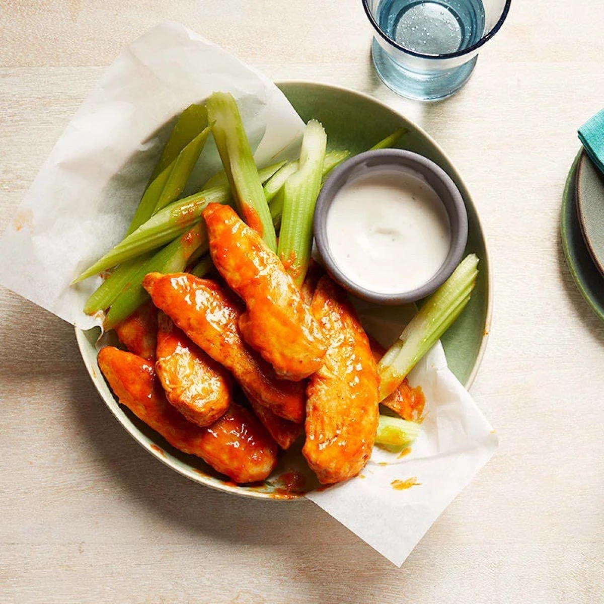 buffalo chicken fingers with celery and blue cheese